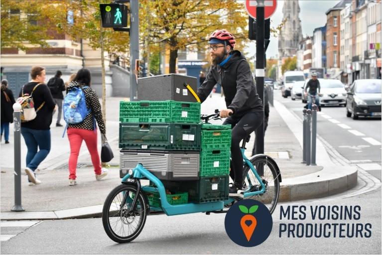 Ton Loven Kombucha livré à vélo avec Mes Voisins Producteurs